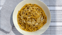 Enjoy our recipe for bucatini alla cacio e pepe